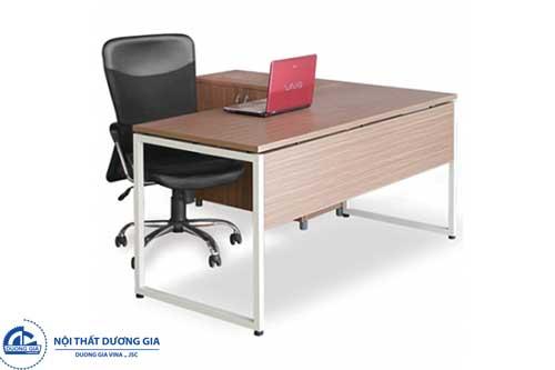 Màu sắc của bàn Giám đốc nữ