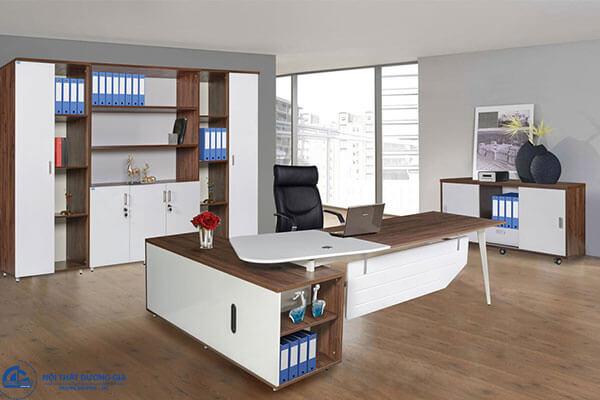 Những lưu ý hàng đầu khi chọn hướng bàn làm việc văn phòng