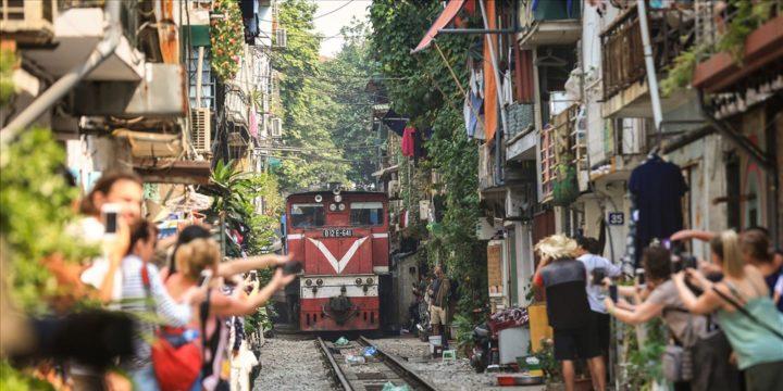 Độc đáo với phố đường tàu – Hà Nội1