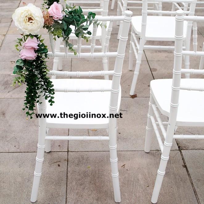 17. Bí quyết chọn ghế đám cưới đẹp cho tiệc cưới thêm sang trọng