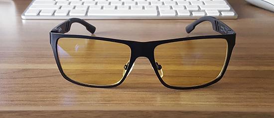 22.Có nên đeo kính chống ánh sáng xanh.1